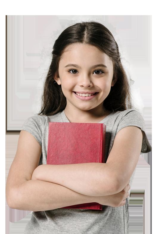 alumna de primaria con un cuaderno